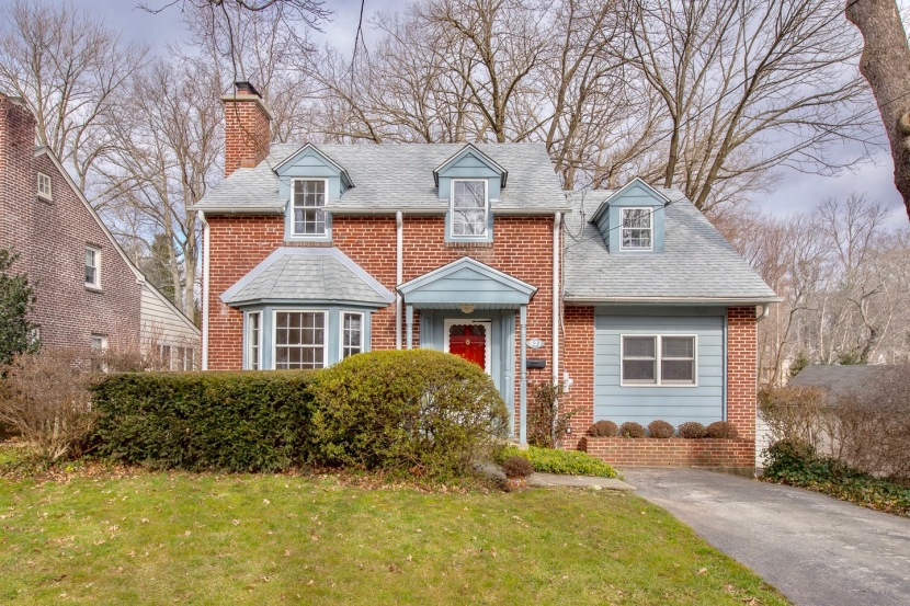 Walk to Wayne and train Colonial in highly desirable Radnor location.